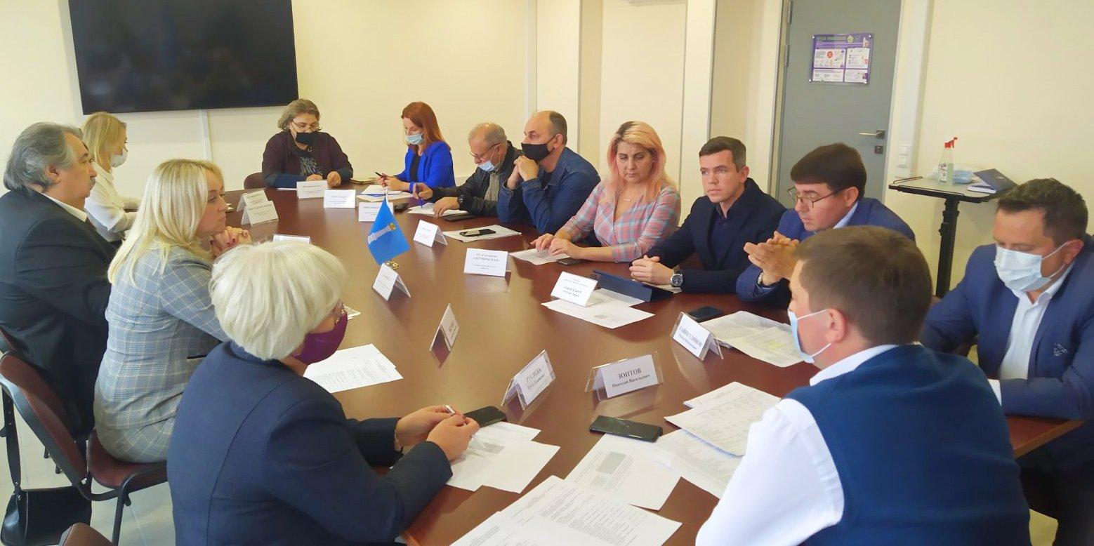 12 предприятий Ульяновской области подписали соглашения о повышении заработной платы сотрудникам