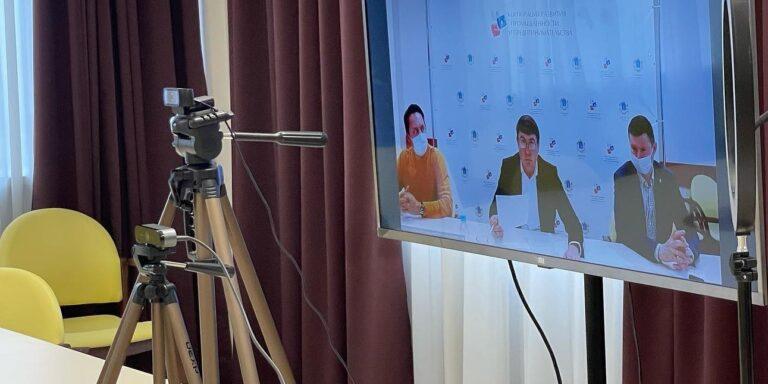 Вопросы обязательной вакцинации сотрудников сферы обслуживания Ульяновской области разъяснили на онлайн-конференции